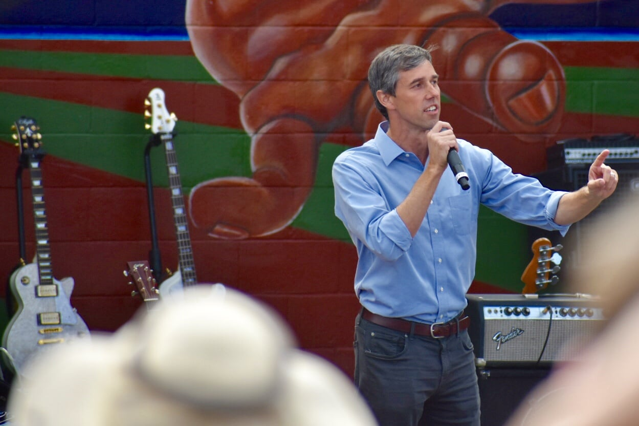Jumping Into Field of 'Amazing Candidates,' O'Rourke Announces For President